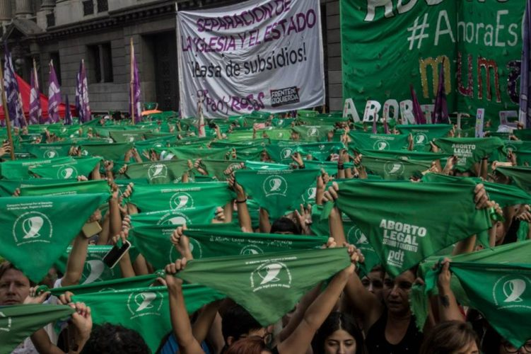 Aborto debate| Se realizaron diversos 'pañuelazos' a lo largo y ancho del país