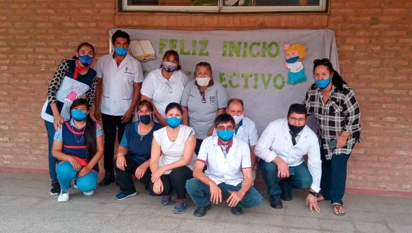 Personal de la escuela Tonolec Onolec del Chaco