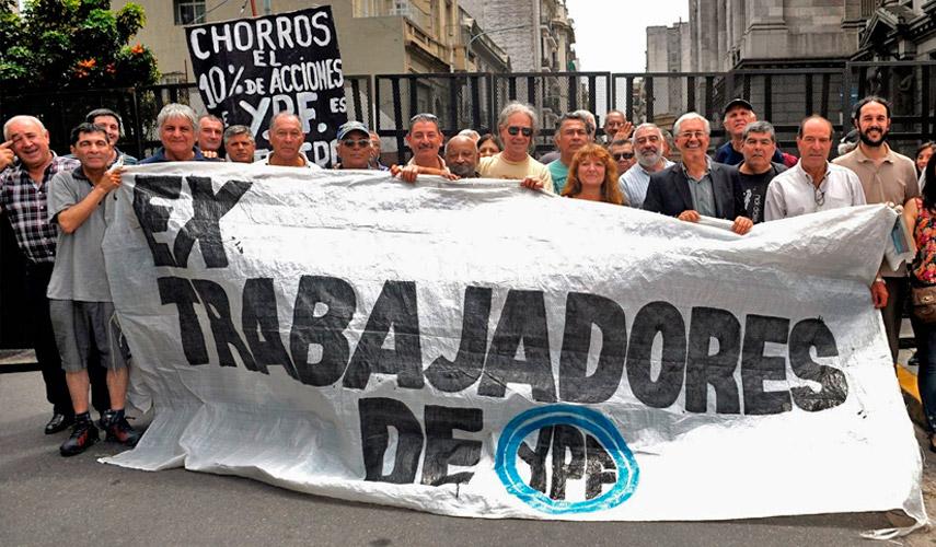 Ex trabajadores de YPF